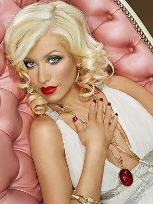 christina aguilera haircut. Christina Aguilera Glamour