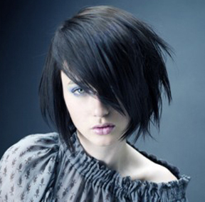 http://www.mynewhair.info/wp-content/uploads/2008/10/emo-girl-black-hair.jpg