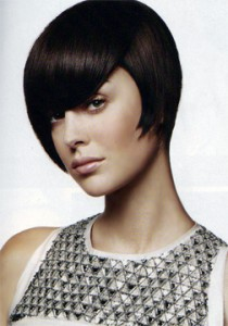 Even if you have wavy frizzier hair you can still achieve this short hairsyle with a hot plate hair straightener.