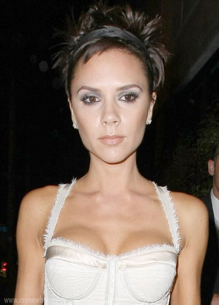 victoria beckham hairstyles. Victoria Beckham with her newest look the very short haricut in her natural
