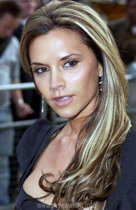 09 victoria beckham hairstyle long blonde highlights - Inspirational Blonde Chunks In Brown Hair