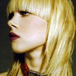 layered-hair-bangs-medium-blonde
