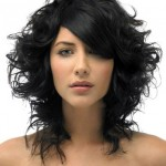 mid-length-layered-black-wavy