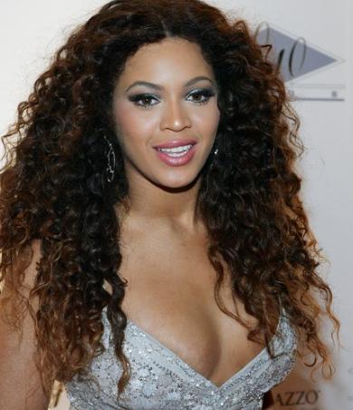 beyonce knowles hair. Beyonce Knowles with very dark