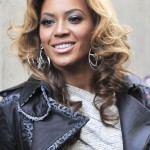 beyonce-medium-length-wavy-hairstyle