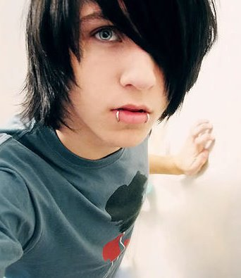 Back to cute emo boys image gallery.