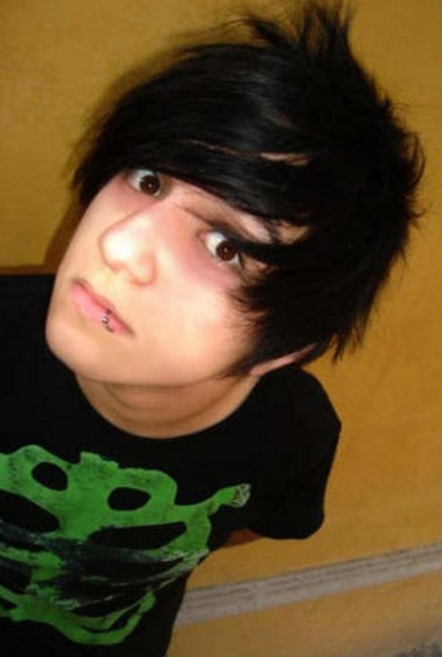http://www.mynewhair.info/wp-content/uploads/2009/03/another-emo-boy.jpg