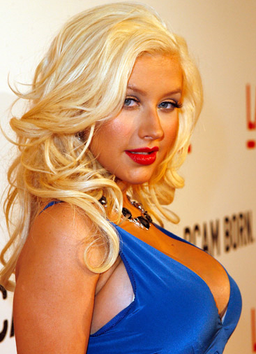 Back to Christina Aguilera Hairstyle Picture Gallery