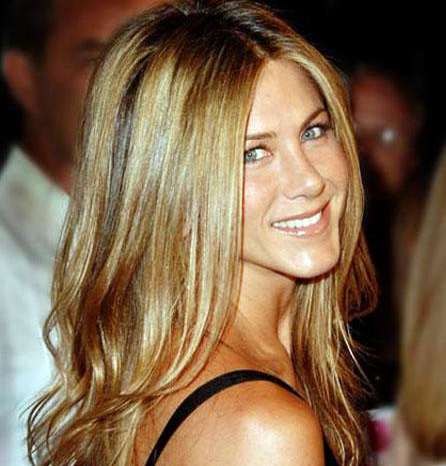 Jennifer Aniston sleek sedu hairstyle