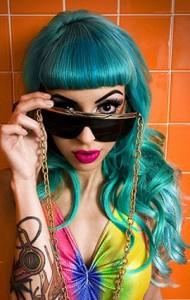 http://www.mynewhair.info/wp-content/uploads/2009/05/raquel-reed-blue-hair-190x300.jpg