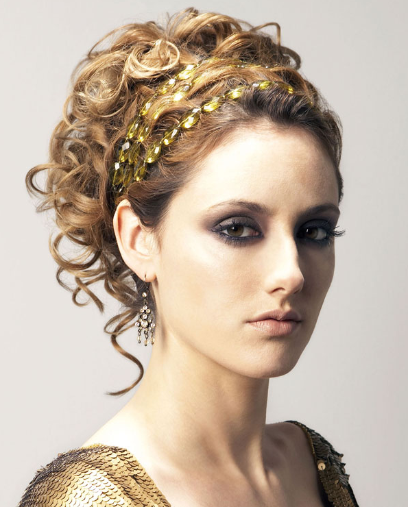 Hairstyle For Prom : Prom Hair 2012 Pop Queen Smooth Gun barrel Snuggle Updo with No Bangs